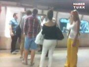 Metroda mahsur kaldılar!