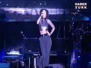 Alicia Keys'den unutulmaz konser