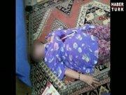 'Bıçakla öldürülen kadın' polisi görünce ayaklandı!