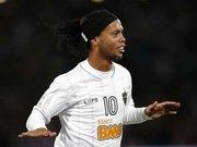 Ronaldinho beklenen imzayı attı