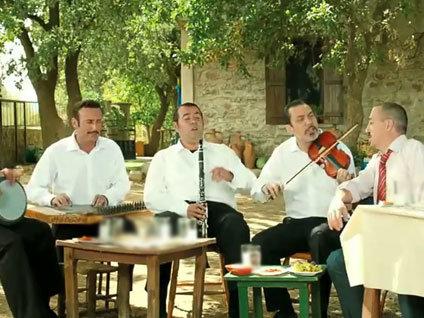 Eyvah Eyvah 3'ün ilk şarkısı!