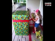 Asker babadan küçük kızına muhteşem hediye