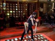 Gökçe Bahadır'dan seksi dans