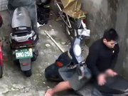 Motosiklete tecavüz etti!