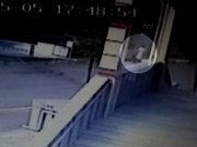 Bebeğini böyle çöpe attı