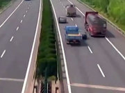 2 TIR, 1 kamyon 1 otomobil ve korkunç kaza!