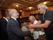 Kemal Kılıçdaroğlu yazar ve sanatçılar ile İstanbul'da bir araya geldi