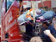 Erzurum'da 430 kiloya ulaşan kadın evinden vinç ile çıkarıldı