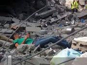 Ailesini arayan Filistinli genci böyle vurdular