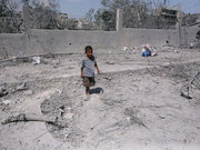 Gazze'de koca mahalle bir saatte yok oldu!