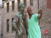 Canlanan heykel şakası