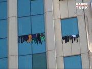 Lüks otelin penceresine çamaşır astılar