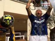 Materazzi'den, Zidane'a imalı gönderme!