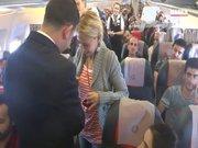 Pilottan şaşırtan evlilik teklifi