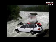 Nehir üzerinden araba geçirmek