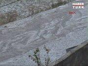 Dolu yağışı Ardahan'ı beyaza bürüdü