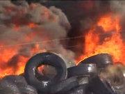 Lastik fabrikası yandı