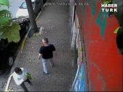 Arabayı soydu kaçarken selam verdi!