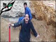 IŞİD Iraklı komutana kendi mezarını kazdırdı!
