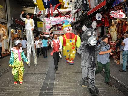 En renkli alışveriş festivali