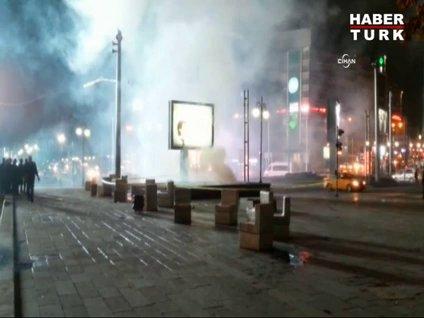 Kızılay metrosunda yangın paniği