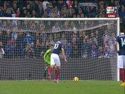 Benzema penaltı kaçırdı