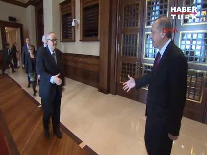 Cumhurbaşkanı Erdoğan konuklarını İngilizce karşıladı