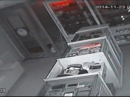 Kamuflajlı hırsız kamerada