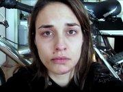 Şiddete magruz kalan genç kadın