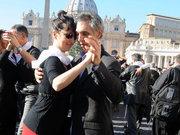 Papa'nın yaş günü kutlandı