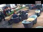 Hırsızlık anı kameralara yakalandı!