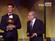 FIFA Ballon d'Or ödülü Ronaldo'nun