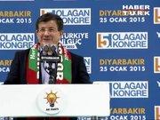 Davutoğlu, Diyarbakır'da halka Kürtçe seslendi