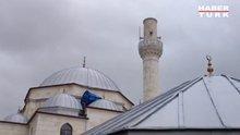 Fırtına minarenin külahını düşürdü!