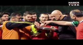 Collina Türkiye'de halı saha maçı yönetti