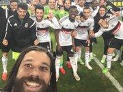 Beşiktaş galibiyet selfiesi