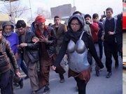 Tacize zırhlı protesto