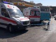 Kadıköy'de halk otobüsü ile ambulans çarpıştı