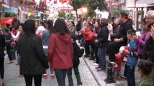 /video/haber/izle/mahalleliden-ornek-23-nisan-kutlamasi/139297