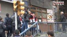 /video/haber/izle/seyyar-satici-polis-gerginligi/139848