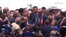 /video/haber/izle/bu-kez-cumhurbaskani-recep-tayyip-erdogan-korumalari-korudu/139916